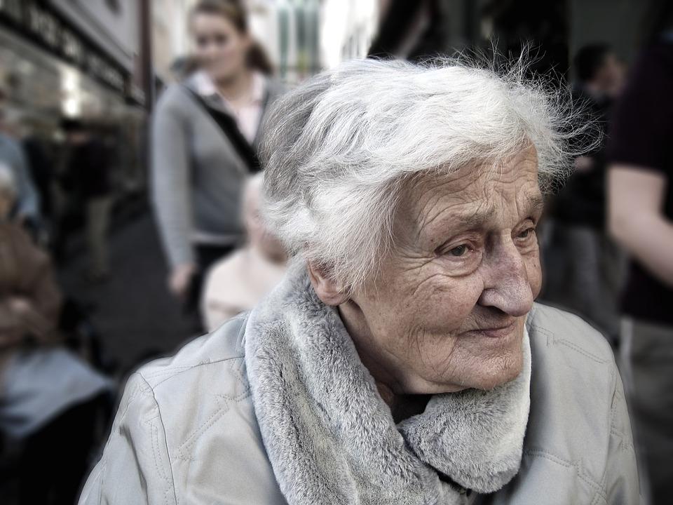 Personne âgée Crédit photo - Geralt