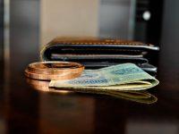 Les revenus des retraités, supérieurs à ceux des actifs (GB)