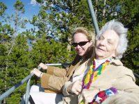 Les relations sociales prolongent la vie des personnes âgées