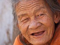 Le bonheur augmente avec l'âge [étude]