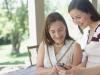 Les enfants : nouveaux coachs amoureux de leurs parents célibataires?
