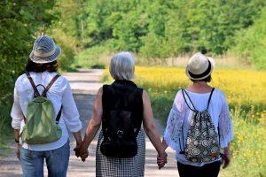 L'âgisme diminue quand jeunes et vieux passent du temps ensemble (étude)