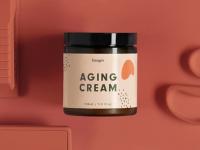 Toronto : une campagne «choc» pour une crème qui fait vieillir !