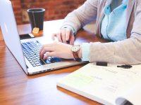 Les baby-boomers s'adaptent avec succès au travail à domicile